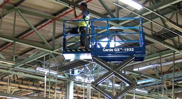 Blulift | Scissorlift elevated platform GS-1932 Genielift
